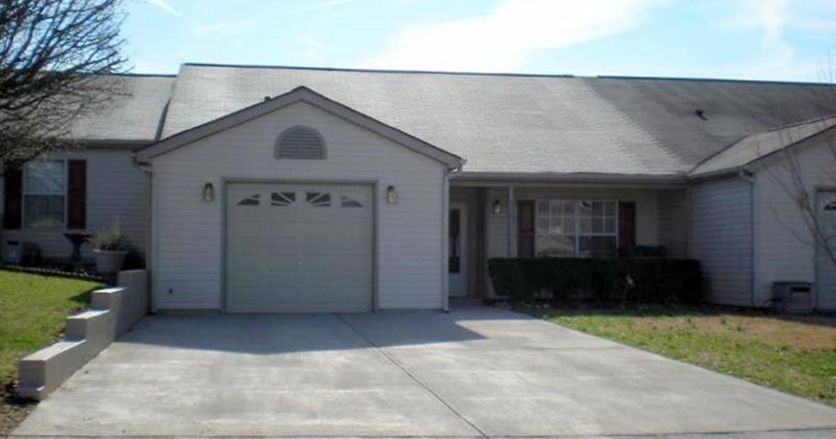 Open Floor Plan Condo 556 Ravenwood Drive Maryville Tn
