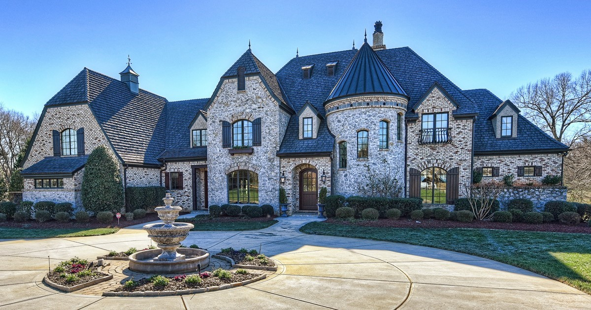 Elegant french country estate in weddington nc for Elegant country homes