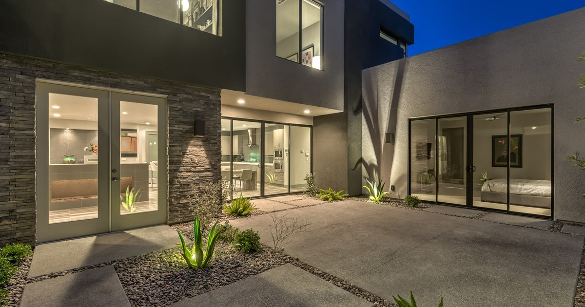 Amazing Blue Heron Modern Masterpiece Henderson Luxury