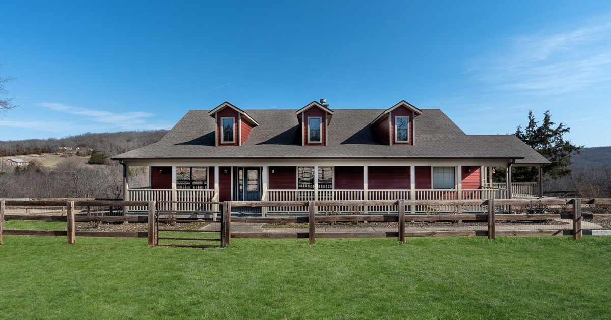 Gorgeous ranch home on 5 acres for 50x100 garage