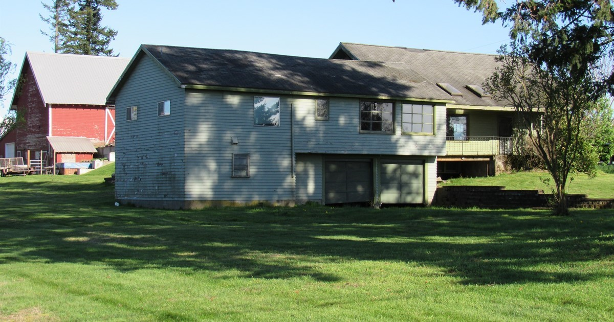 Large shell home with 5000sq ft barn on 1 9 acres for 5000 sq ft to acres
