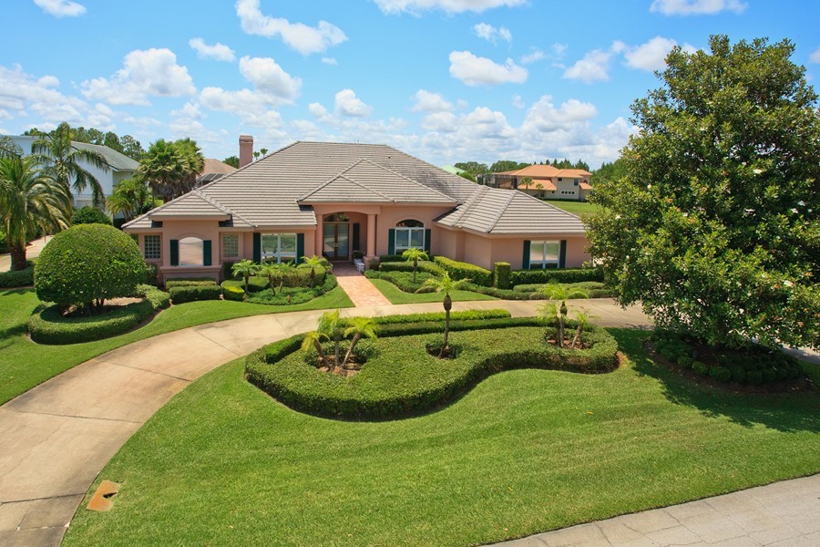 Impressive Spruce Creek Hangar Home