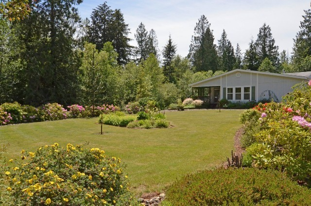 Spacious Rambler in Beautiful 2 Acre Setting