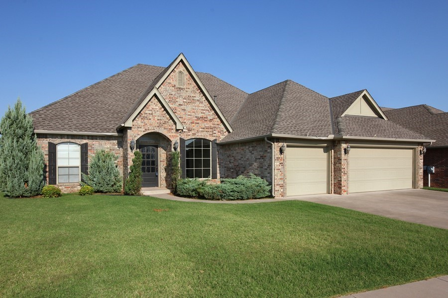 Check out the WOW factor in this 4bedroom 3/bath home!