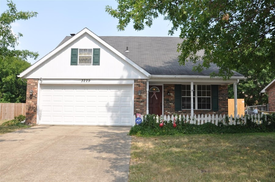 3 Bedroom, 2.5 Bath Home in Evansville!