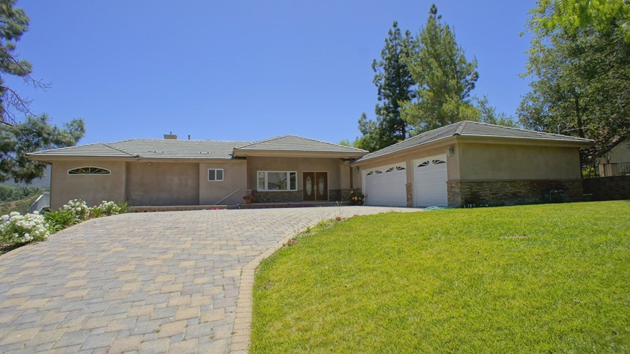 Single Family Residence - Thousand Oaks, CA