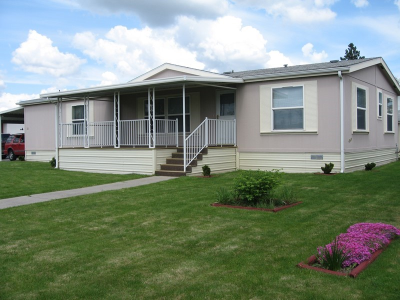 WELL MAINTAINED Manufactured Home!!!