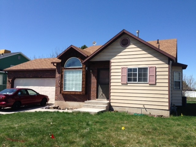 Single Family, Tri/Multi-Level - Roy, UT
