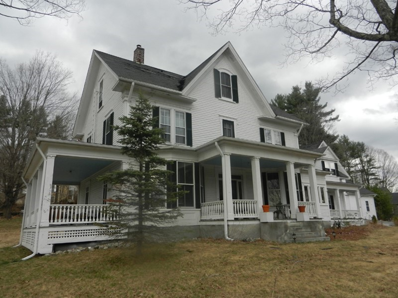 Andover, NH Colonial Mansion with 8 Bedrooms, 8500 SQ FT