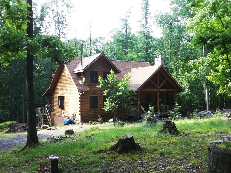 Lovely Appalachian Log Home on 3 Acres