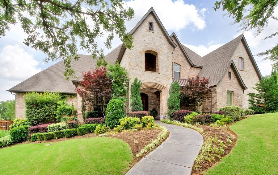 Awesome Grapevine Family Home