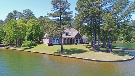 Spacious Home on a Rare Point Lot!
