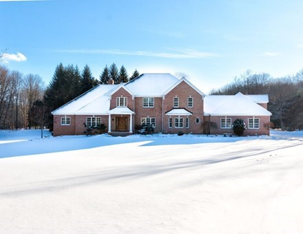 Chagrin Falls Home for Sale on 22 Acres!
